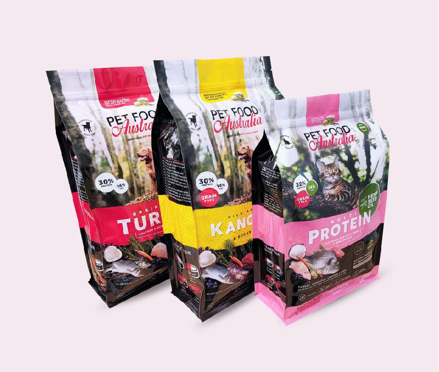 Flat bottom bags pet food packaging
